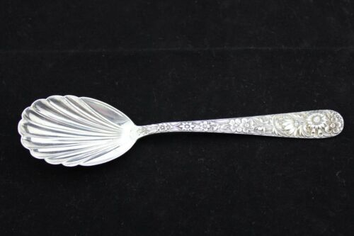S Kirk /& Son Repousse Sterling Silver Sugar Shell Spoon No Mono