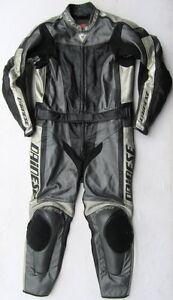 Top-DAINESE-Flanker-Gr-54-Zweiteiler-Lederkombi-schwarz-grau-Leather-Suit