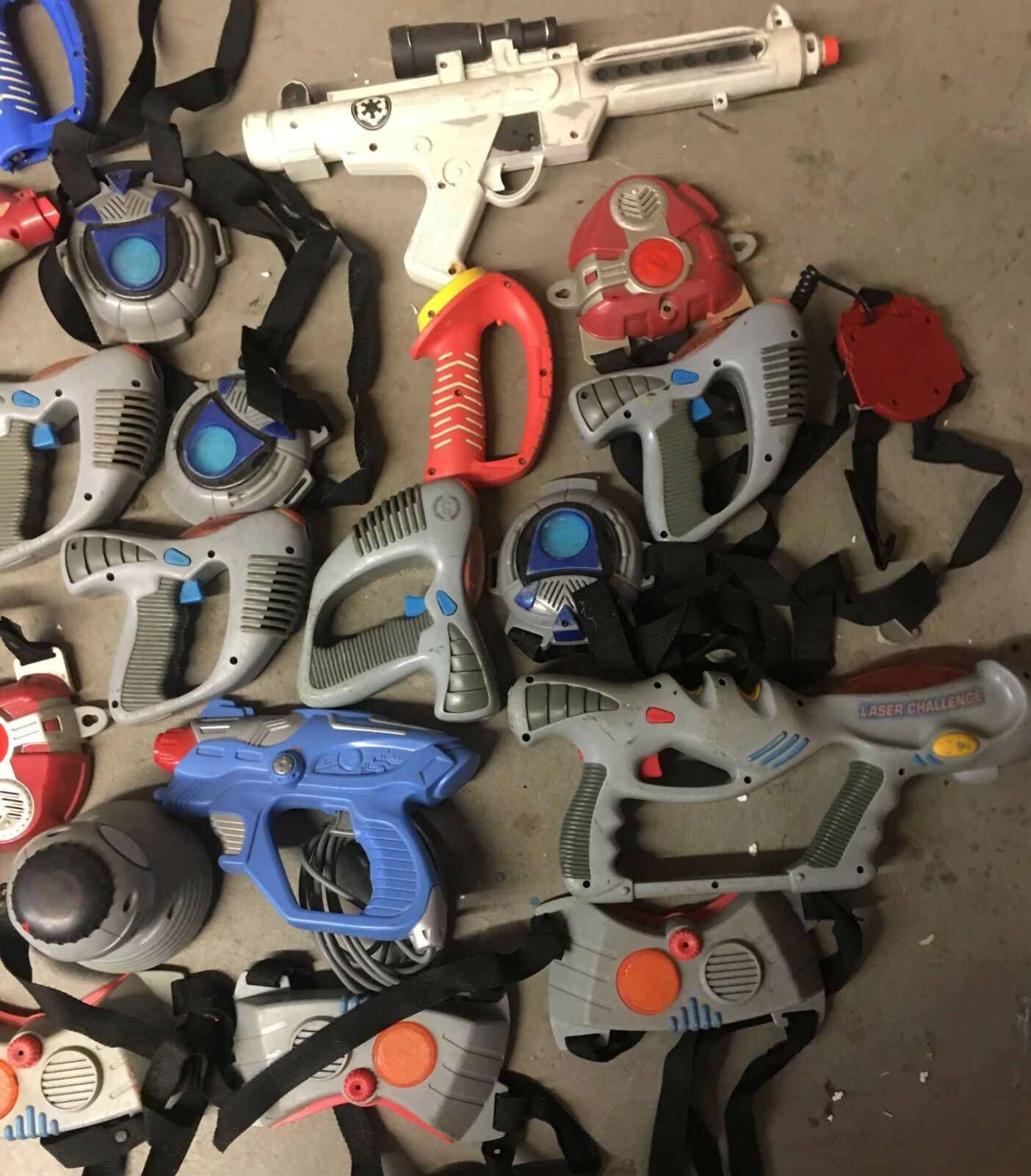 HUGE LOT of Vintage - 41 Pieces of of of LAZER TAG Game Lot - 27 Lbs of Fun - No Rust 613078