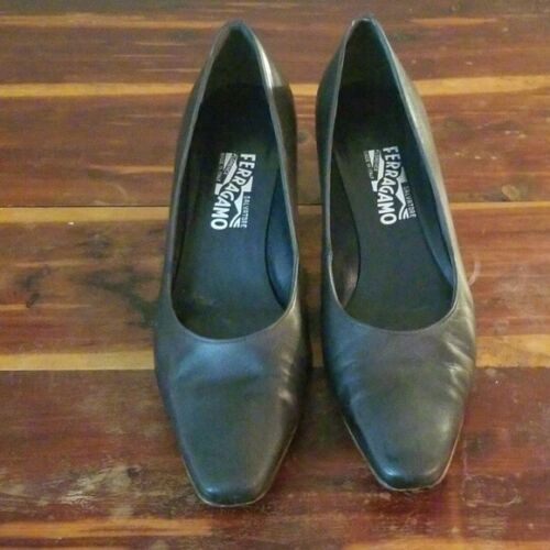 Salvatore Ferragamo 10.5 kitten heels soft black W