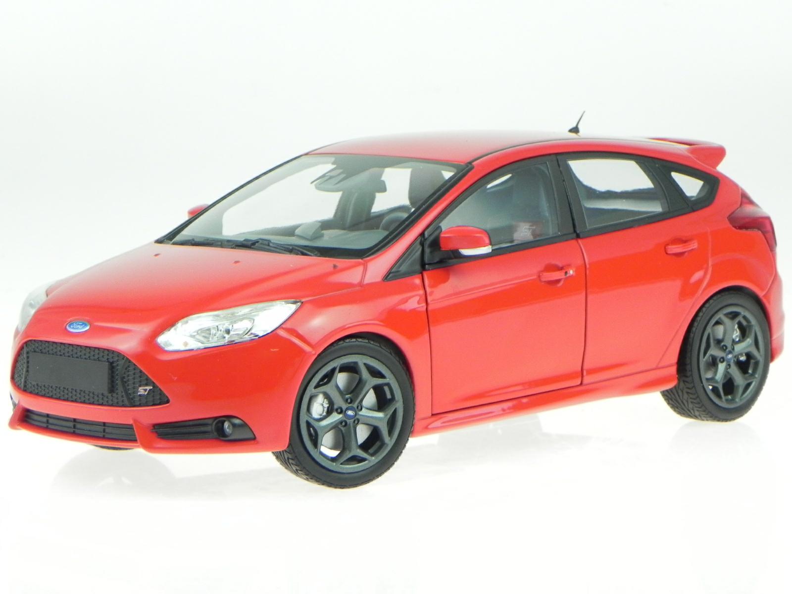 1 18 Ford Focus ST 2011 1 18 • Minichamps 110082002