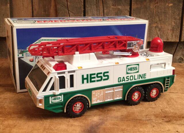 HESS* 1996* TOY* EMERGENCY* TRUCK* MINT* IN* BOX*