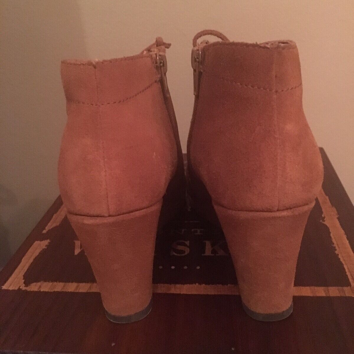 NWOT DV by Dolce Vita Lace Braun Suede Leder Wedge Lace Vita Up Ankle Boot Größe 7 2302f6