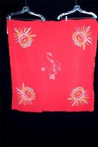 RARE-VINTAGE-1940-039-S-HAWAIIAN-ISLANDS-RED-RAYON-COLLECTORS-TABLECLOTH-41-034-X-41-034