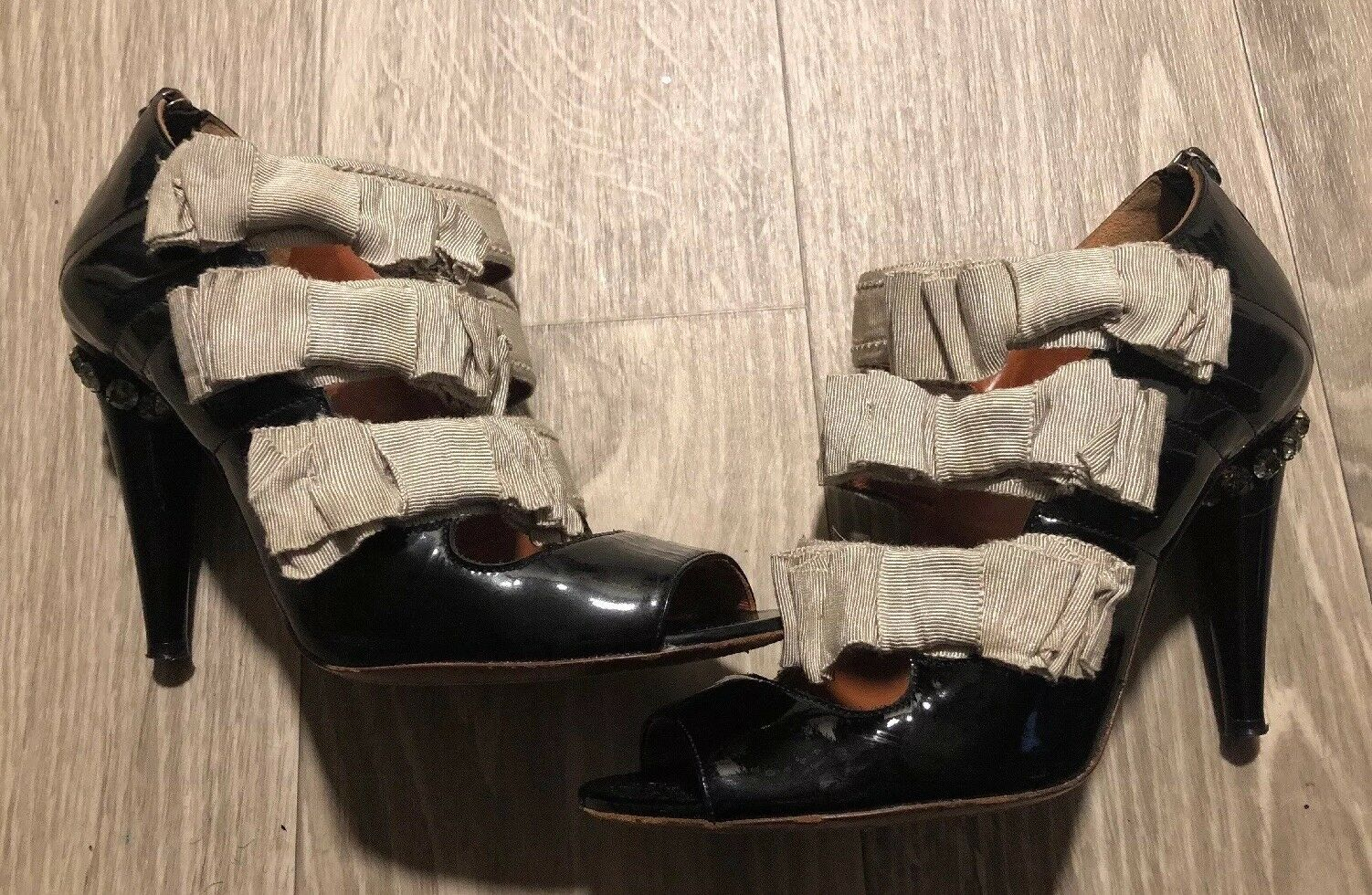 Lanvin French Heels w  3 Rows of Bows & Crystal Heels Sz 37