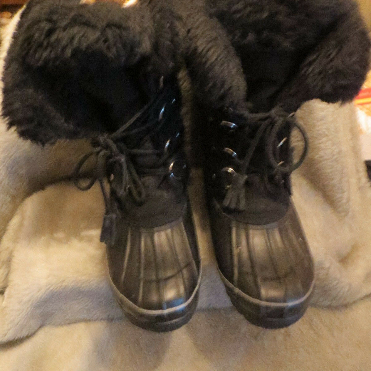 KHOMBU 744065 Nordic Winter Insulated Boot Mukluk Suede Faux Fur Black Size