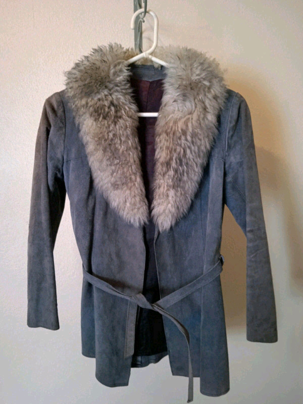 Ladies jacket genuine suede   Size: small  R250  Collection in Camps B