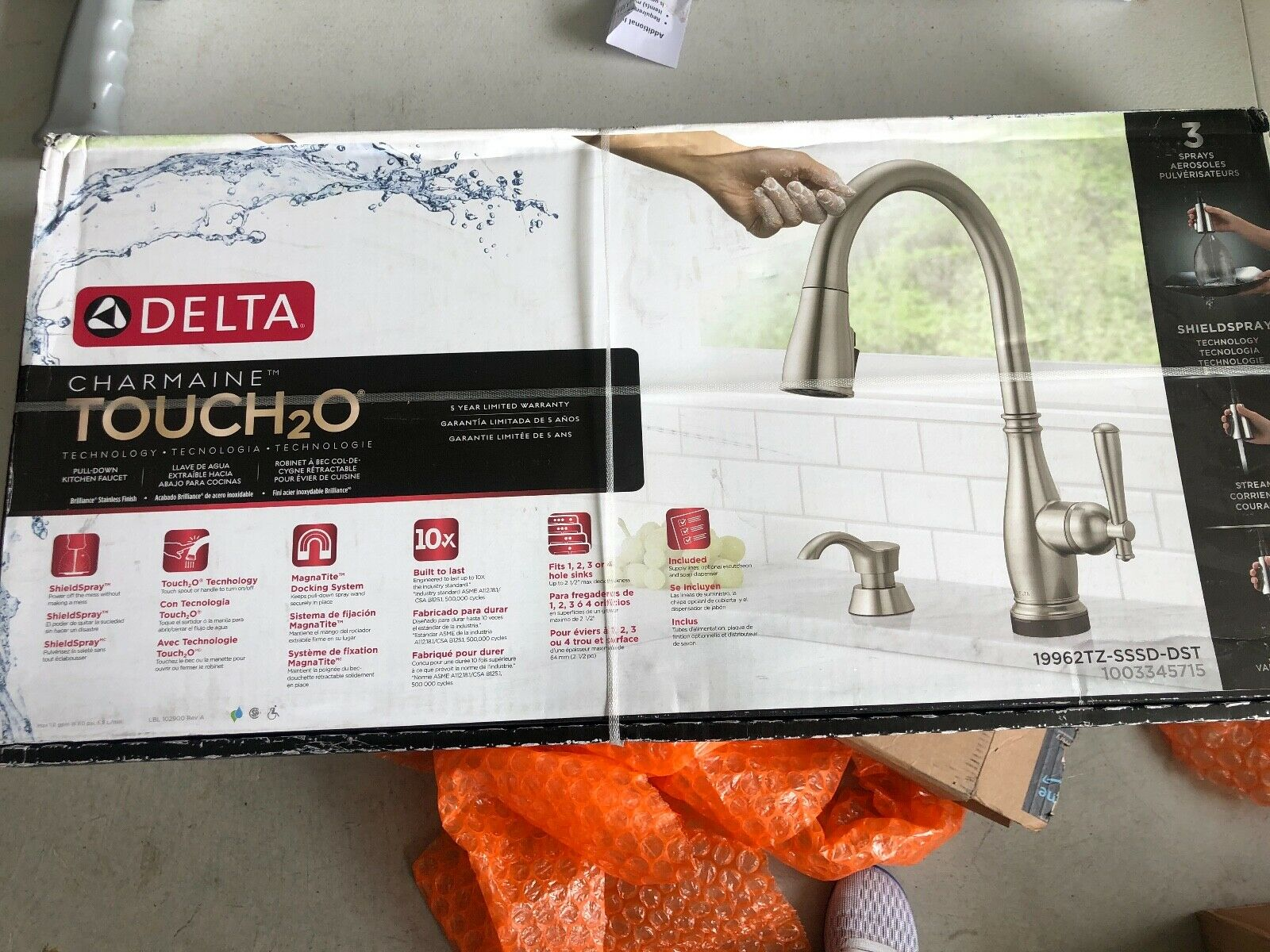 Delta Pilar Single Handle Kitchen Faucet With Touch2o Technology And Side Spray For Sale Online Ebay