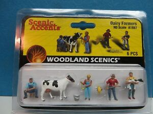 HO-Scale-A1887 Woodland Scenics DAIRY FARMERS *FREE SHIPPING*