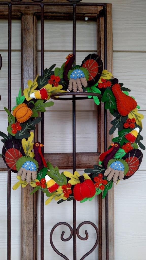 Hand Hand Hand made Wool Flannel TURKEY Candy corn PUMPKIN Fall THANKSGIVING WREATH 45678a