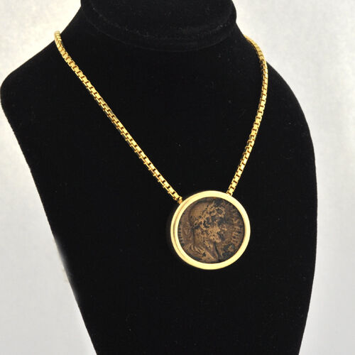 Handcrafted 14 k Round Bezel Housed An Ancient Roman Branze Coin 18  14k Chain