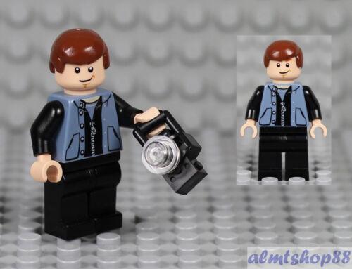 LEGO Peter Parker w// Camera Minifigure Spiderman Sand Blue Zipper Vest 4856