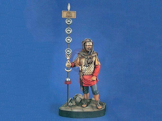 Verlinden 200mm 1 9 Roman Signifer Signum (Standard) Bearer Vignette w Base 742