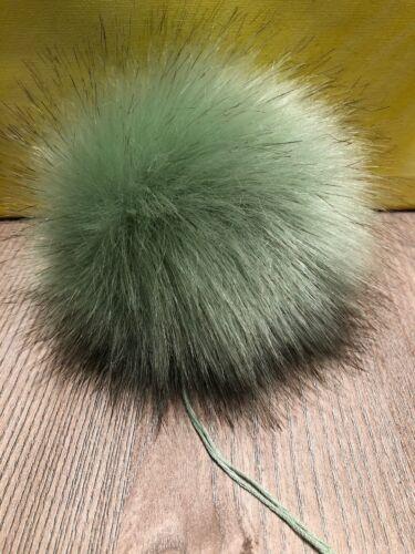 Pelzbommel BRANDNEU❤️ mit längeren schwarzen Spitzen 15cm minte Fellbommel