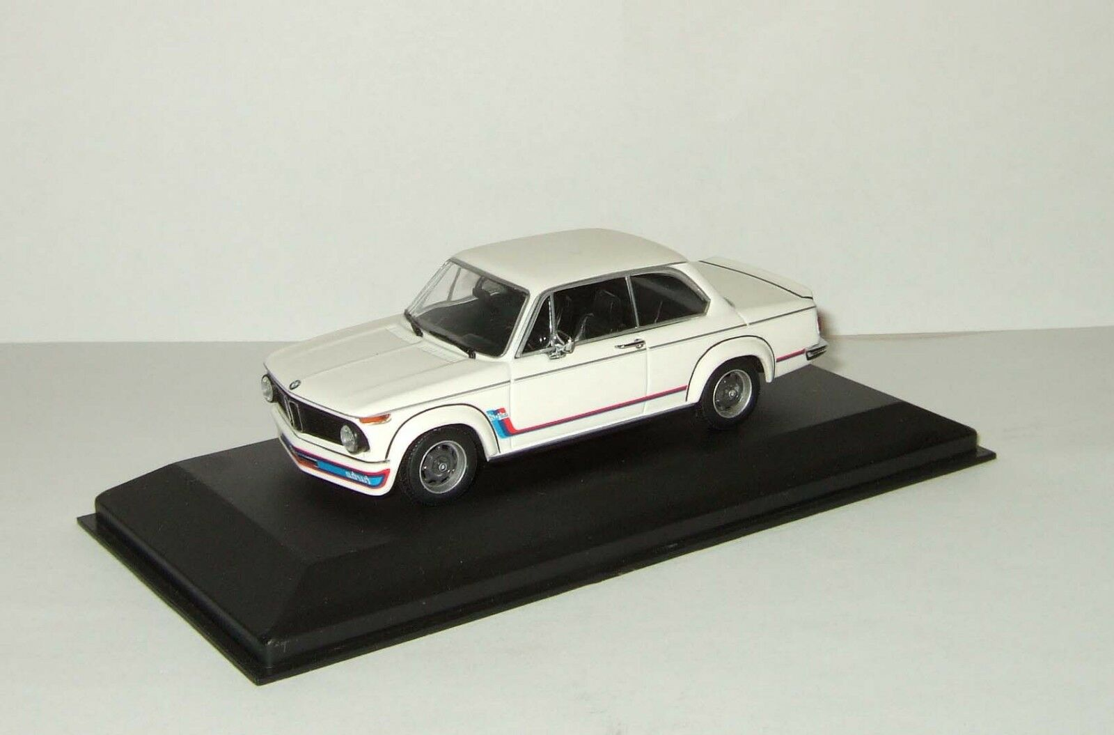 BMW 2002 Turbo white Minichamps 1 43