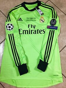 c6c418f4a24 Real Madrid Casillas Size 10 Player Issue Shirt Formotion Football ...