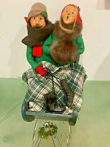 Byers Choice Christmas Caroler Specialty Couple In Sleigh 1995 Fur, Ice Skates