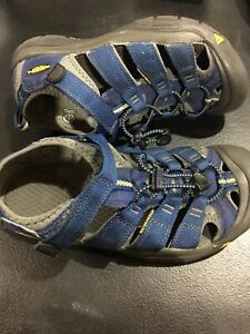 Keen-Newport-H2-Sandals-Size-5-Blue-Hiking-Waterproof-Sandals