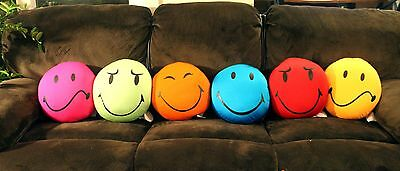 Squishy Microbead Happy Smiley Emoticon Emoji Face Throw Pillow Valentin Gift