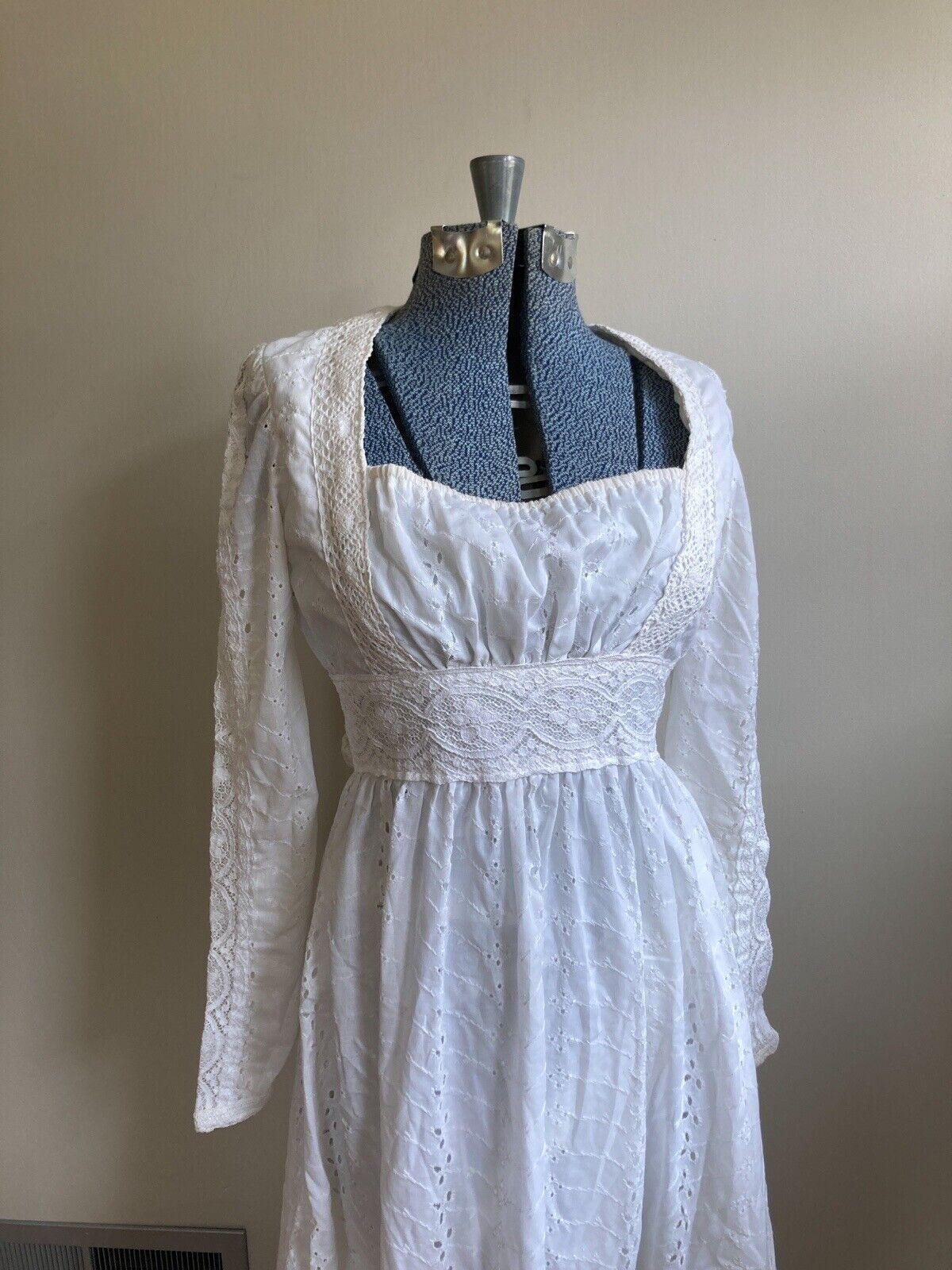 Vintage 70s White Lace Gunne Sax Prairie Cottagec… - image 2