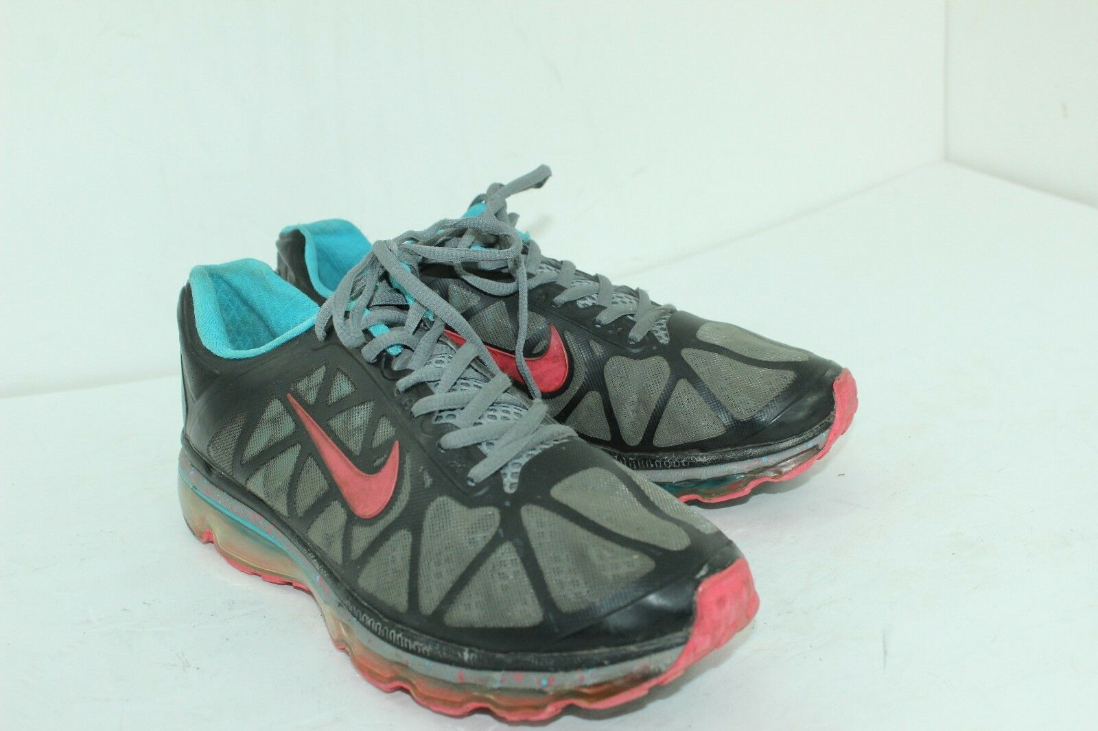 NIKE AIRMAX SIZE 8.5 MENS IN GOOD CONDITION AIR CHAMBER IS GOOD The most popular shoes for men and women