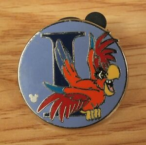 Genuine-Disney-2009-Iago-the-Parrot-From-Aladdin-Collectible-Circle-Pin-READ