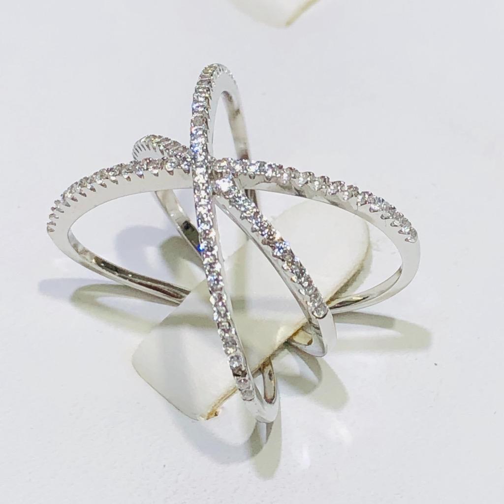 Platino argentoo Sterling Bianco Bianco Bianco Zaffiro Infinity Xd Disegno a Pavé Avvolto 648275
