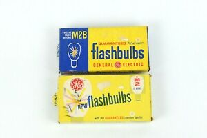 General Electric M2 and M2B Flash Bulbs total of 23 Bulbs Vintage