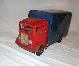 """Tri-ang GB n° 200 Camion fourgon tôle vintage tin toy truck 47 cm long - France - État : Occasion : Objet ayant été utilisé. Consulter la description du vendeur pour avoir plus de détails sur les éventuelles imperfections. Commentaires du vendeur : """"d'usage"""" - France"""