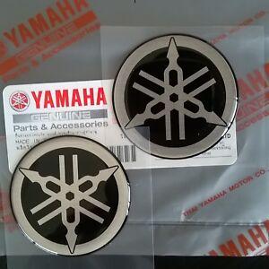 2-x-45mm-YAMAHA-TUNING-FORK-BLACK-SILVER-GEL-DECAL-STICKER-BADGE-LOGO-UK-STOCK
