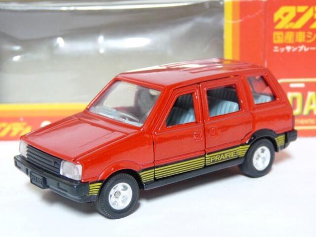 Tomica Dandy 030 1/43 Nissan Prairie Diecast Metal Model Car