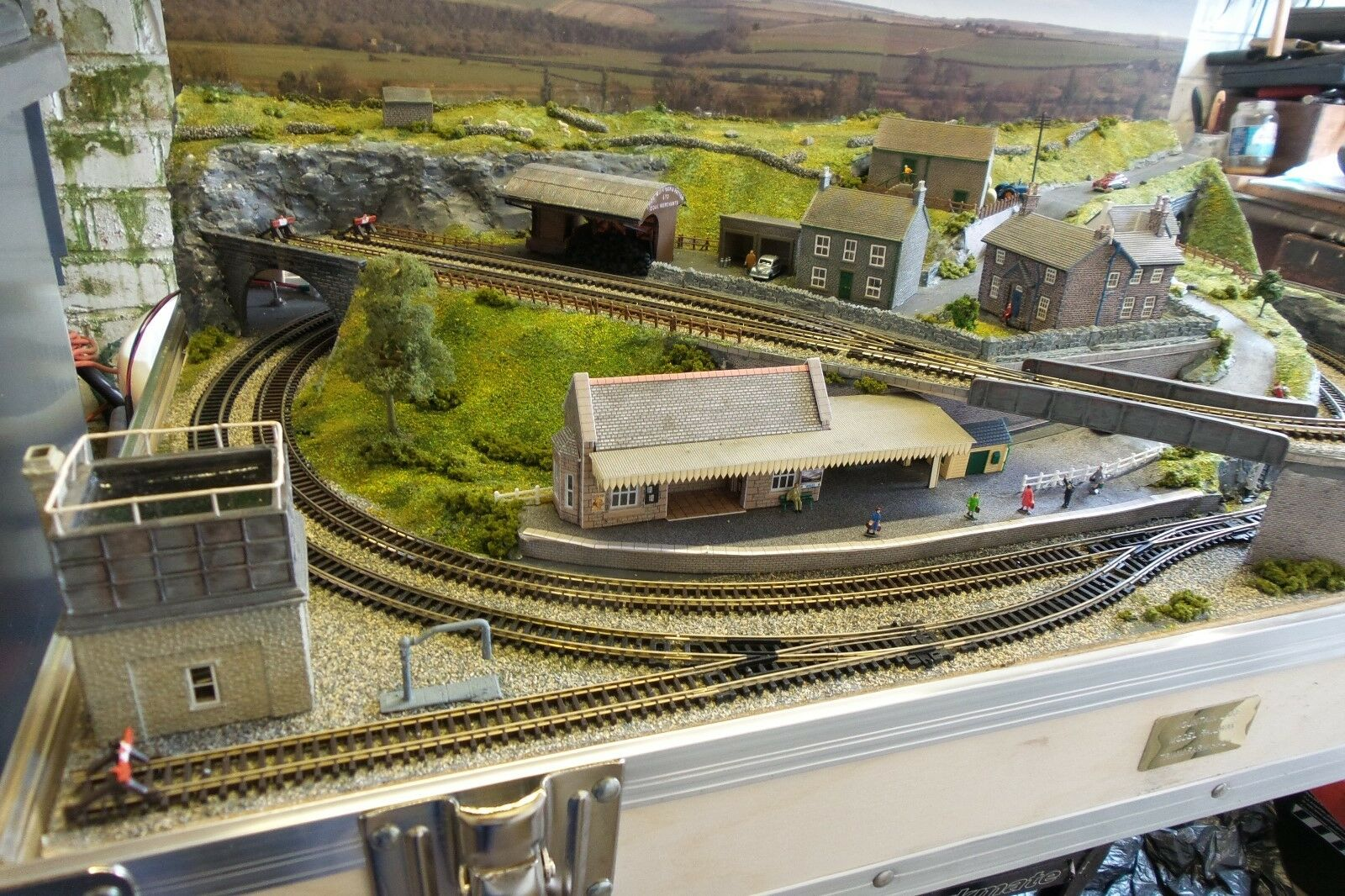 CLASSIC N GAUGE BRIEFCASE LAYOUT LAYOUT LAYOUT BY MOUNTAIN LAKE MODEL RAILWAYS MADE TO ORDER 0fb3dd