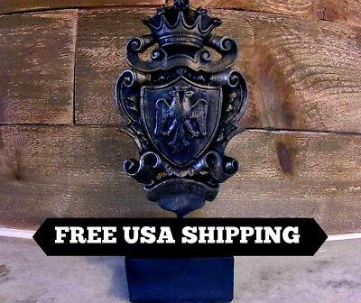 Standing, Shield, Knight, Cross, Old World, Medieval, Fleur de Lis, Crown, Eagle
