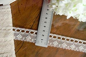 Vintage-COTTON-RibbonThread-Lace-CREAM-25mmWide-3MetreLength-Made-inEngland-Flt1