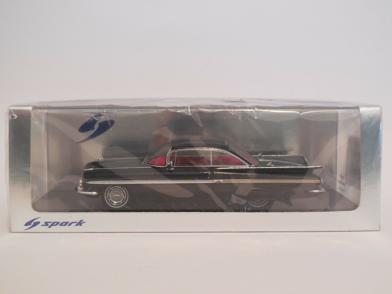 1/43 Spark S2902MCW Chevrolet Impala Coupe 2018 Negro