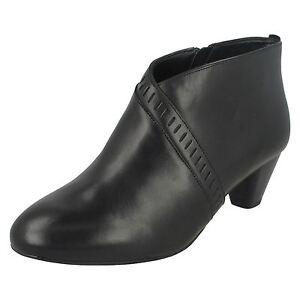 Zip Pelle Stivali Moda Denny Frances Nero Caviglia Clarks Donna Alla qXIFw4U8