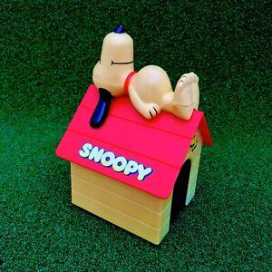 Vintage-1958-Snoopy-Kennel-Motorised-Car-Battery-Operated-Charlie-Brown-Peanuts