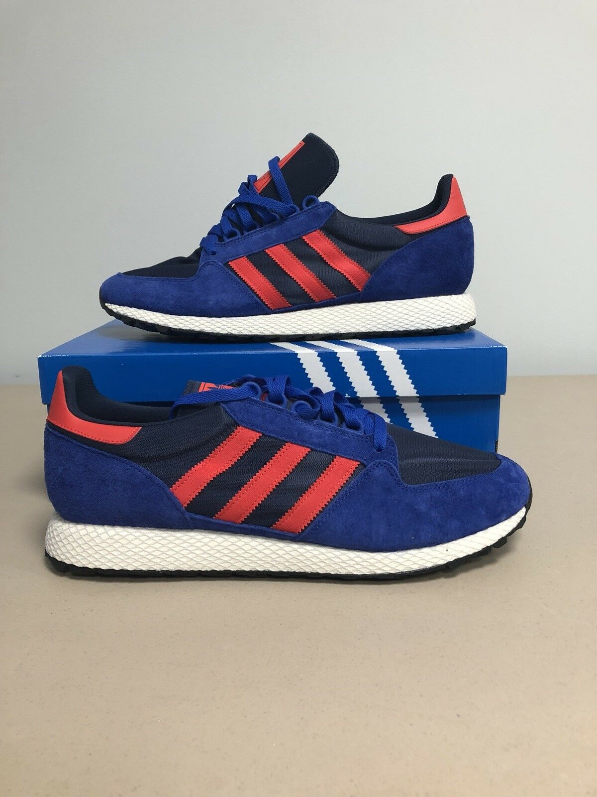 Adidas Forest Grove Men's shoes Powder bluee Hi- Res Red Collegiate Navy B38002