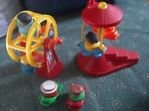 Fisher-Price-1993-FAIRGROUND-Ferris-wheel-and-plane-roundabout-people-and-cars