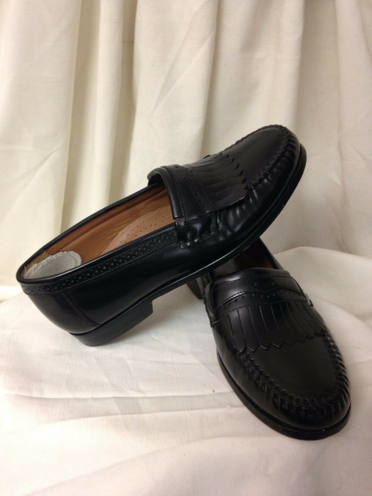 Bass Men / Unisex Black Formal Apron Toe Tassel Loafer - Size US 9