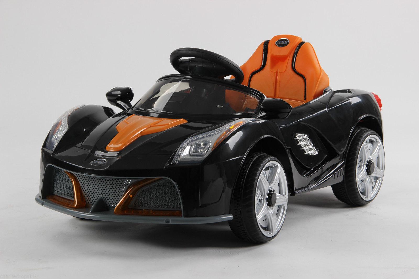 Barn 6v elektrisk Ferrari-stil-åktur på biltur på leksakselektrisk bil 2019-modelll