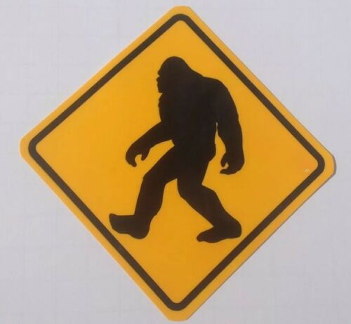 STICKER DECAL BIG FOOT CROSSING DIAMOND CROSSING SIGN SHAPE YELLOW /& BLACK COLOR
