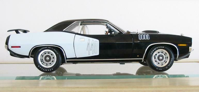 hochway 61 1971 Plymouth 'cuda 440, schwarz w  Weiß billboards, MINT IN BOX