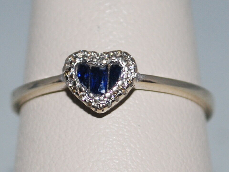 18k gold ring with Sapphires(Sept birthstone) and Diamonds in a beautiful design