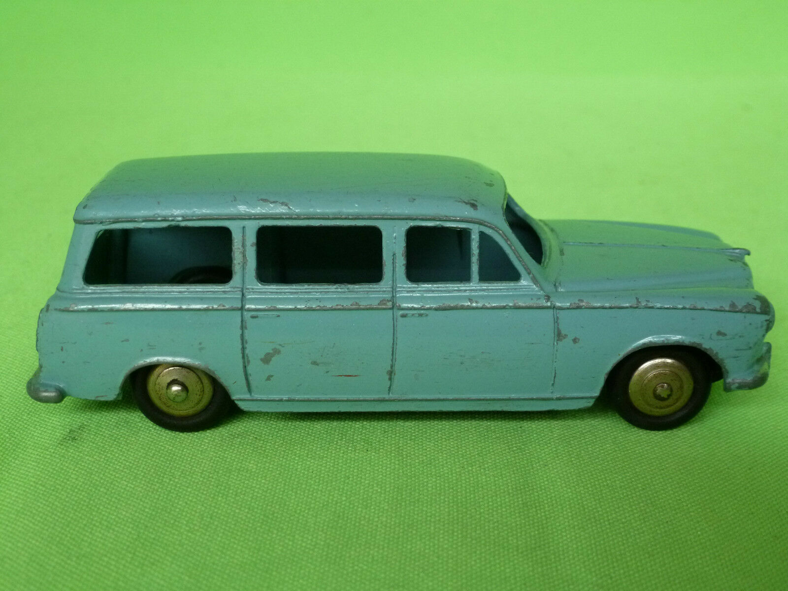 DINKY TOYS   24F PEUGEOT 403 U5      RARE SELTEN IN VERY GOOD CONDITION 3adfae
