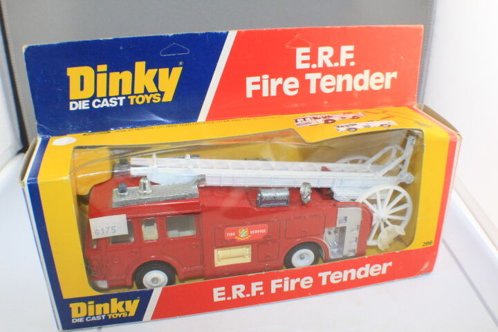 Dinky Toys 266 E.R.F. Fire Tender Made by Meccano