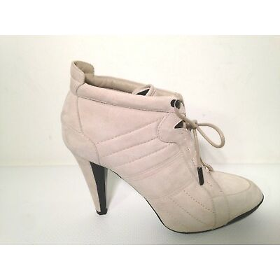 Tod's  Ankle Bootie  size 8.5US.