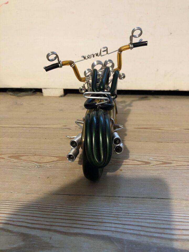 Pynte motorcykel, Elmer