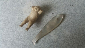 ANTIQUE-CHINESE-MOTHER-PEARL-FISH-COUNTER-JAPANESE-CHINESE-MINIATURE-DOLL