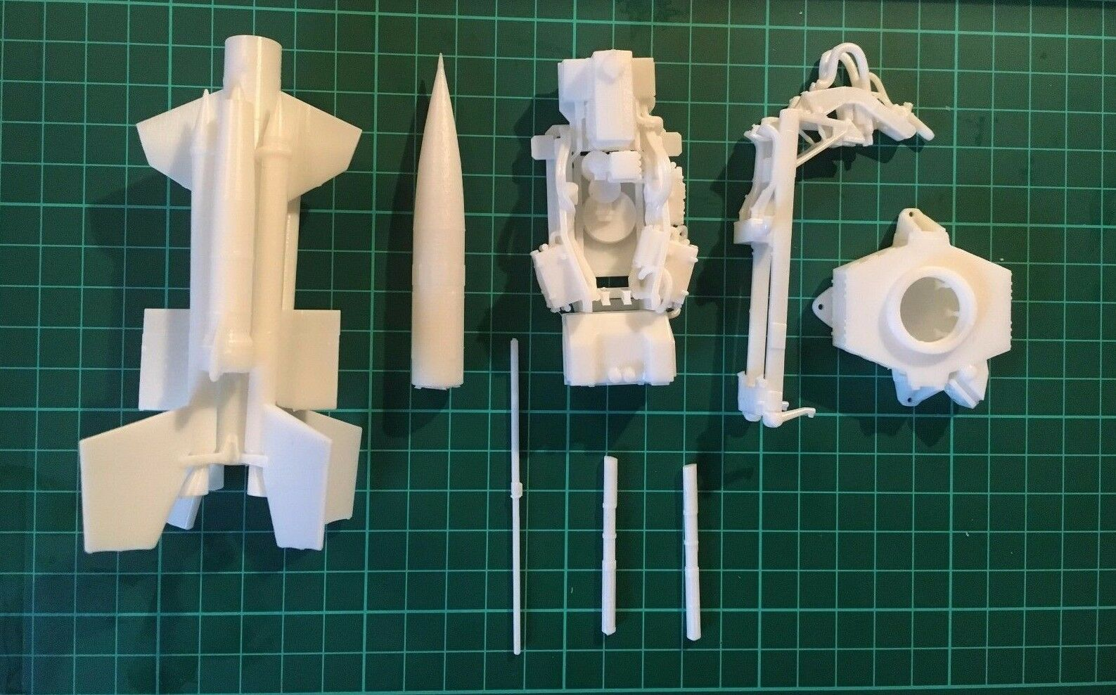 1 32 Scale Bristol Bloodhound Missile & Launch Pad [3D Printed Model]